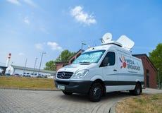 Αυτοκίνητο TV ραδιοφωνικής μετάδοσης στην παρουσίαση ανοικτής ημέρας στη ναυτική βάση Στοκ Φωτογραφίες