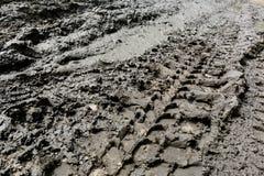 Αυτοκινητικές ρόδες σφραγίδων στο ρύπο Στοκ εικόνα με δικαίωμα ελεύθερης χρήσης