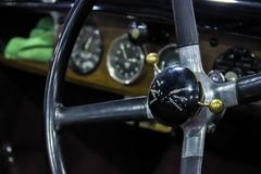 αυτοκινητικός τρύγος σεπιών αυτοκινήτων αναδρομικός Ταμπλό Bentley Στοκ Φωτογραφίες