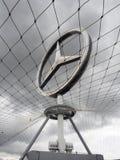 αυτοκινητικό benz επετείου 125 το 2011 γιορτάζει να ιδρύσει τη βιομηχανία το έτος της Mercedes λογότυπών του Στοκ Εικόνες