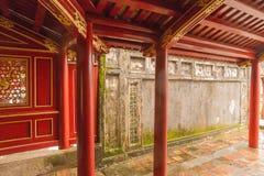 Αυτοκρατορική πόλη στο χρώμα - Royal Palace που τίθεται μέσα περιτοιχισμένη comple στοκ εικόνες