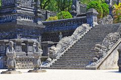 Αυτοκρατορικός τάφος Khai Dinh, περιοχή παγκόσμιων κληρονομιών της ΟΥΝΕΣΚΟ του Βιετνάμ χρώματος Στοκ φωτογραφία με δικαίωμα ελεύθερης χρήσης