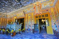 Αυτοκρατορικός τάφος Khai Dinh, περιοχή παγκόσμιων κληρονομιών της ΟΥΝΕΣΚΟ του Βιετνάμ χρώματος Στοκ Φωτογραφίες