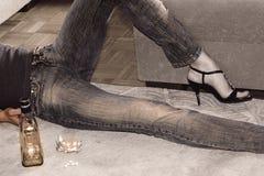 αυτοκτονία χαπιών αλκοό&lambd στοκ εικόνα με δικαίωμα ελεύθερης χρήσης