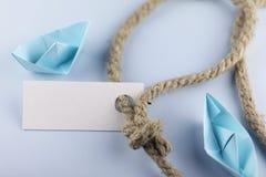 Αυτοκόλλητη ετικέττα με το παχύ πλεγμένο origami εγγράφου σχοινιών και σκαφών Στοκ Εικόνα