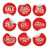Αυτοκόλλητη ετικέττα πώλησης Η ετικέτα ετικεττών αγορών, κόκκινη στις αυτοκόλλητες ετικέττες πώλησης με την καμμμένες άκρη και τη ελεύθερη απεικόνιση δικαιώματος