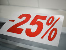 Αυτοκόλλητη ετικέττα στην αντίθετη έκπτωση -25% Στοκ εικόνες με δικαίωμα ελεύθερης χρήσης