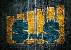Αυτοκόλλητη ετικέττα σχεδίου σχεδίων πωλήσεων στη συγκεκριμένη κατασκευασμένη επιφάνεια Στοκ Εικόνα