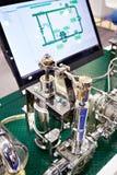 Αυτόματα δειγματοληπτική συσκευή και όργανο ελέγχου Στοκ Εικόνα