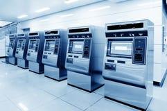 Αυτόματες μηχανές εισιτηρίων στοκ εικόνα με δικαίωμα ελεύθερης χρήσης