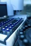 αυτόματος δίσκος δειγματοληπτικών συσκευών Στοκ Εικόνες