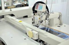 αυτόματο ράψιμο μηχανών Στοκ εικόνα με δικαίωμα ελεύθερης χρήσης