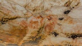 Αυτόχθων τέχνη: τυπωμένες ύλες χεριών σε μια σπηλιά, grampians εθνικό πάρκο στοκ φωτογραφία με δικαίωμα ελεύθερης χρήσης