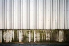 Αυλακωμένος τοίχος μετάλλων Στοκ εικόνες με δικαίωμα ελεύθερης χρήσης