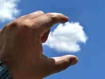Αφή χεριών ο ουρανός στοκ φωτογραφίες με δικαίωμα ελεύθερης χρήσης