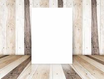 Αφίσα εγγράφου στο τροπικό ξύλινο δωμάτιο, πρότυπο για το περιεχόμενό σας Στοκ Φωτογραφία