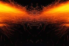 Αφαίρεση, καίγοντας πυρκαγιά με τους σπινθήρες Μυστικό πρωτότυπο με τα σχέδια για το υπόβαθρο Οριζόντια αντανάκλαση στοκ εικόνες