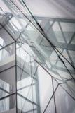 Αφαίρεση με τα παράθυρα υπαίθρια με τις πτώσεις της βροχής Στοκ Εικόνες