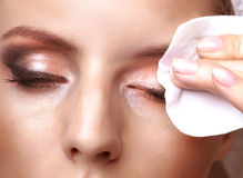 Αφαίρεση makeup στοκ φωτογραφία