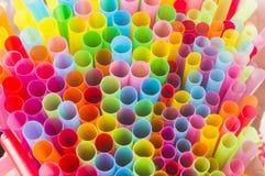αφηρημένα ζωηρόχρωμα πλαστικά άχυρα bacground Στοκ Εικόνα