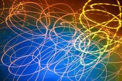 Αφηρημένα θολωμένα κίνηση φω'τα στο μπλε Στοκ φωτογραφία με δικαίωμα ελεύθερης χρήσης