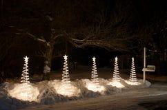 Αφηρημένες άσπρες υπαίθριες διακοσμήσεις Χριστουγέννων Στοκ Φωτογραφίες