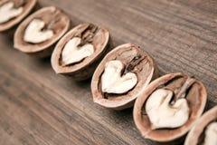Αφηρημένες καρδιές στο ξύλινο υπόβαθρο Στοκ φωτογραφία με δικαίωμα ελεύθερης χρήσης