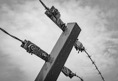 Αφηρημένη άποψη μιας πρόσφατα δημιουργημένης περίφραξης barded-καλωδίων σε μια ευρωπαϊκή περιοχή ελέγχου οικότροφων Στοκ Φωτογραφίες