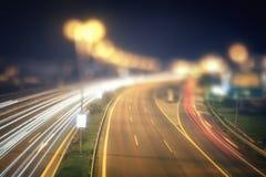 Αφηρημένη άποψη νύχτας της εθνικής οδού της Πράγας με τα ελαφριά ίχνη των αυτοκινήτων Στοκ φωτογραφίες με δικαίωμα ελεύθερης χρήσης