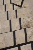 Αφηρημένη, γραφική σύνθεση με τη σκιά προβαλλόμενου του κιγκλίδωμα ο Στοκ Εικόνα