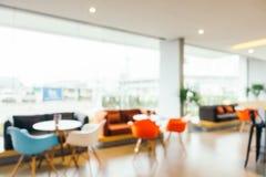 Αφηρημένη θαμπάδα όμορφη και εσωτερικό λόμπι ξενοδοχείων πολυτελείας Στοκ Φωτογραφίες