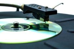 Αφηρημένη κωμική περιστροφική πλάκα με το CD αντί ενός βινυλίου δίσκου Στοκ Φωτογραφίες