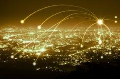 Αφηρημένη σύνδεση γραμμών στοιχείων ψηφιακή στο υπόβαθρο πόλεων νύχτας, στοκ εικόνα με δικαίωμα ελεύθερης χρήσης