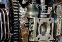 αφηρημένη σύσταση μετάλλων Από τα παλαιά μέρη μετάλλων των μηχανών Στοκ εικόνα με δικαίωμα ελεύθερης χρήσης