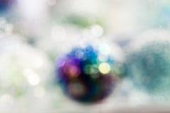 Αφηρημένη υποβρύχια σύνθεση με τις ζωηρόχρωμες σφαίρες γυαλιού Στοκ Φωτογραφίες