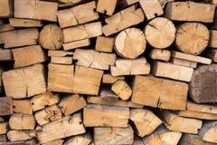 Αφηρημένη φωτογραφία ενός σωρού των φυσικών ξύλινων κούτσουρων jpg Στοκ Φωτογραφίες