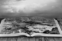 Αφηρημένη φωτογραφία Θάλασσα στο βιβλίο στοκ εικόνες