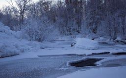 Αφηρημένοι ποταμός και χιόνι Στοκ Εικόνες