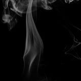 Αφηρημένος γκρίζος καπνός από τα ραβδιά θυμιάματος Στοκ φωτογραφίες με δικαίωμα ελεύθερης χρήσης