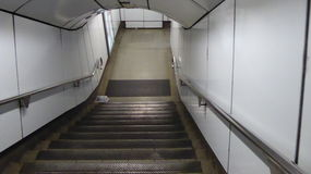 αφηρημένος εννοιολογικός υπόγειος σκαλοπατιών κινήσεων εσπευσμένος Στοκ φωτογραφίες με δικαίωμα ελεύθερης χρήσης