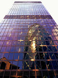 Αφηρημένος καθρέφτης Λονδίνο ουρανοξυστών στοκ φωτογραφία με δικαίωμα ελεύθερης χρήσης