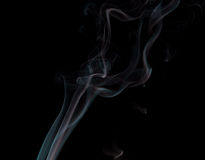 Αφηρημένος καπνός στο μαύρο υπόβαθρο Στοκ φωτογραφία με δικαίωμα ελεύθερης χρήσης