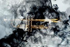 Αφηρημένος καπνός της Jazz σαλπίγγων Στοκ φωτογραφίες με δικαίωμα ελεύθερης χρήσης
