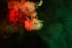 Αφηρημένος κόκκινος πράσινος καπνός Weipa Στοκ φωτογραφία με δικαίωμα ελεύθερης χρήσης