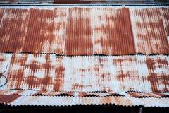 Αφηρημένος παλαιός φράκτης σκουριάς ψευδάργυρου υπαίθρια Ταϊλάνδη Στοκ Εικόνα