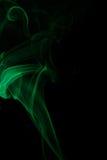 Αφηρημένος πράσινος καπνός από τα αρωματικά ραβδιά Στοκ εικόνα με δικαίωμα ελεύθερης χρήσης