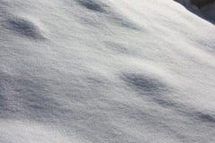 αφηρημένο ανασκόπησης Χριστουγέννων σκοτεινό διακοσμήσεων σχεδίου λευκό αστεριών προτύπων κόκκινο ύφασμα χιονιού ακτίνες Στοκ Φωτογραφίες