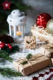 αφηρημένο ανασκόπησης Χριστουγέννων σκοτεινό διακοσμήσεων σχεδίου λευκό αστεριών προτύπων κόκκινο μπλε γυαλί σύνθεσης Χριστουγένν Στοκ Εικόνες