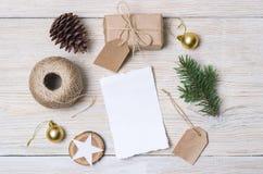αφηρημένο ανασκόπησης Χριστουγέννων σκοτεινό διακοσμήσεων σχεδίου λευκό αστεριών προτύπων κόκκινο Τοπ όψη Στοκ φωτογραφία με δικαίωμα ελεύθερης χρήσης