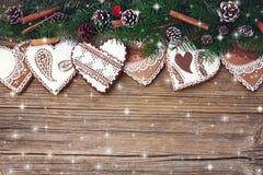 αφηρημένο ανασκόπησης Χριστουγέννων σκοτεινό διακοσμήσεων σχεδίου λευκό αστεριών προτύπων κόκκινο Κλάδος δέντρων έλατου Χριστουγέ Στοκ φωτογραφία με δικαίωμα ελεύθερης χρήσης